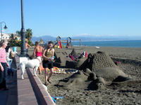 Los habitantes de zonas templadas hacen menos turismo en el extranjero