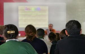Decenas de jubilados estudian en la Universidad para Mayores Francisco Ynduráin