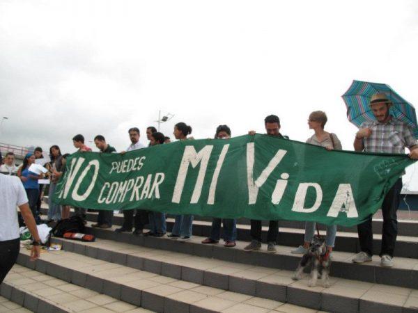 Manifestación de l@s Indignados Panameñ@s, el 29 de octubre de 2011 en la Cinta Costera, Ciudad de Panamá. Foto: Aris Rodríguez Mariota.