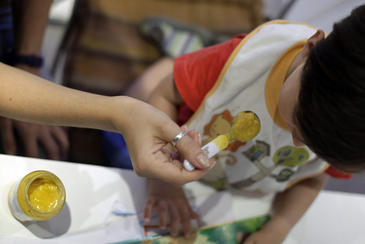 16-Mayo-2012, Madrid. Una investigación realizada por la Universidad de Almeria se–ala que los alimentos de bebe y la leche en polvo contienen residuos de medicamentos veterinariosFoto David Fern‡ndez