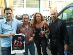 Alfonso de Campos, Perico Fernández, Conchi Corruchaga, y Raúl Tristán apoyando a Toño Martí, durante el acto de presentación del libro de Perico Guantes Rotos
