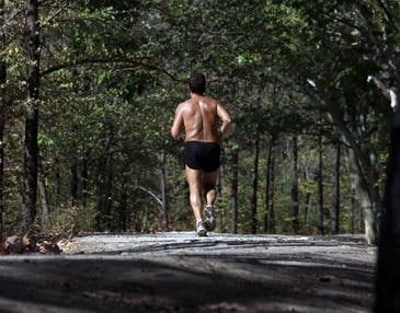 Los hombres físicamente activos son los que muestran los mejores valores seminológicos, concluye este estudio. Imagen: SINC.