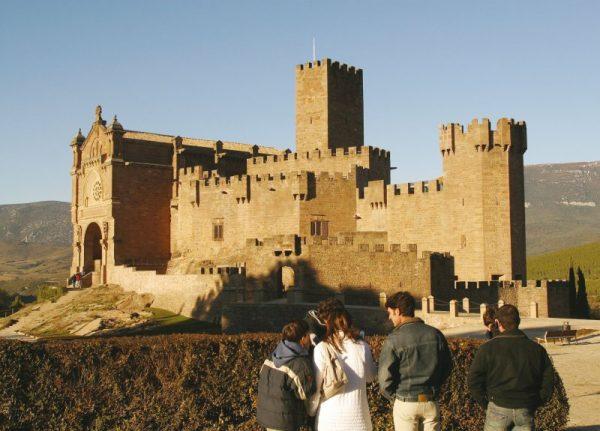 """Turismo por Navarra: Castillo de Javier. Fotografía cedida por el Archivo de Turismo """"Reyno de Navarra"""""""