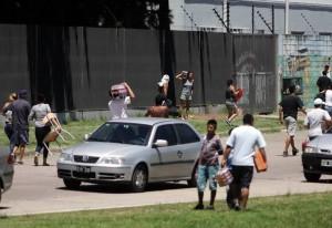 Saqueos en Argentina:síntoma de descomposición social
