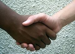 manos pacto no racismo