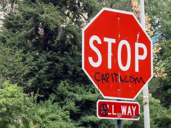 Stop al Capitalismo