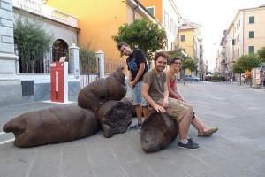 Los marrones de rajoy aparecen ya hasta por las calles... ¡cuidado, no tropiece usted con alguno! Foto: bonus1up