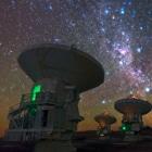 ALMA comenzó a construirse en 2003. En octubre de 2013 sus 66 antenas estarán plenamente operativas ESO/B. Tafreshi