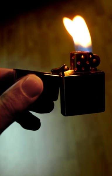 Fuego. Encendedor. Mechero