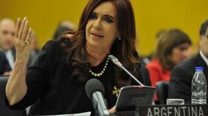 """Cristina Kirchner , abogada de la """"vía pacífica"""" : financiada con nuestros impuestos da un romántico discurso en Naciones Unidas."""