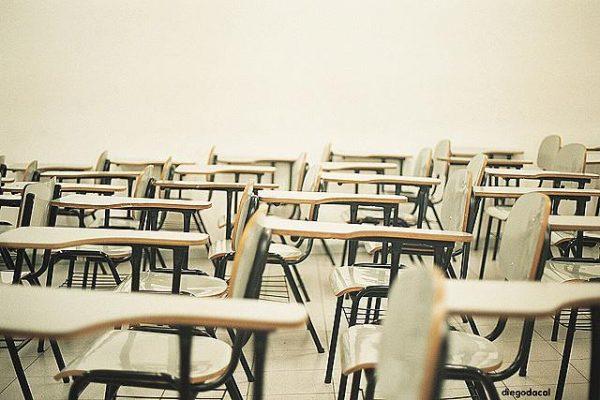 aula clase colegio sillas
