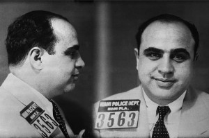 Fotografías policiales de Al Capone (Miami, 1930). Foto: Recuerdos de Pandora