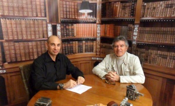 """""""El Lobo Estepario"""": Raúl Tristán (izda.) entrevista al humanista Ángel Sanz Goena (dcha.)"""