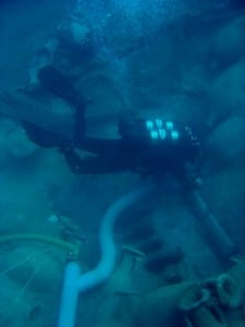 Una submarina sondea el pecio Bou Ferrer, donde se observan alineados algunos lingotes. / De Juan-D. G. de Cultura de la Generalitat Valenciana