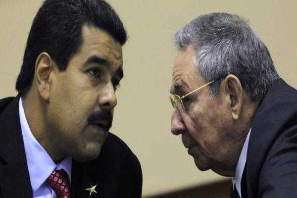 Raúl Castro y Nicolás Maduro