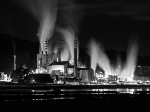 El sistema que engulle el mundo es la producción industrial de mercancías