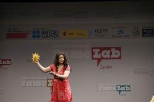 Pilar Lozano en Famelab 2014