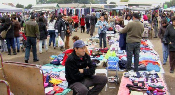 Feria de las Pulgas, del Sector de Aguas Negras, en la Provincia de Curicó