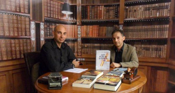 Santiago Morata (dcha.), entrevistado por Raúl Tristán (izda.) en 'El Lobo Estepario'