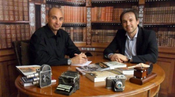 Raúl Tristán (izda.) entrevista a Luis Zueco (dcha.) en 'El lobo Estepario'