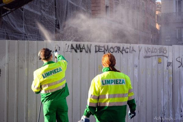 Democracia frente a totalitarismo