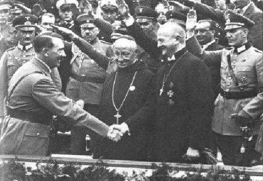 De obispos, nazis y trenes antiabortisas