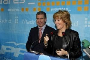 Paco Granados y Esperanza Aguirre. Foto: PP Madrid