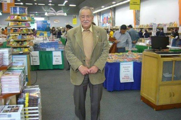 Escritores Hipanoamericanos: Fernando Soto Aparicio