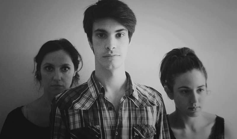 Teatro: 'Como si pasara un tren', conflictos familiares