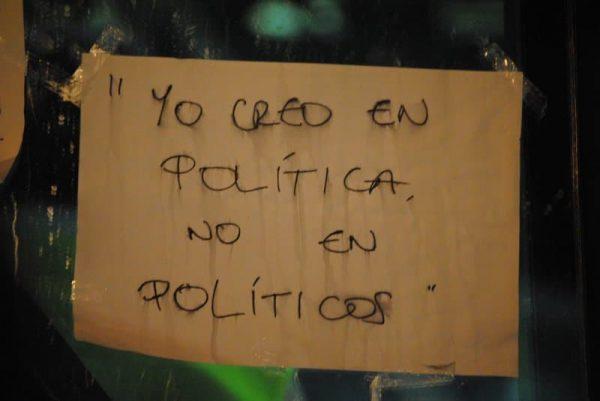 creo en política