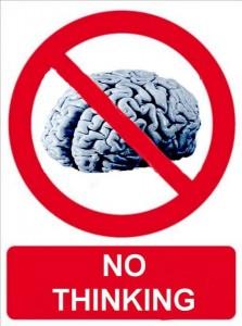 cerebro no piensa tonto