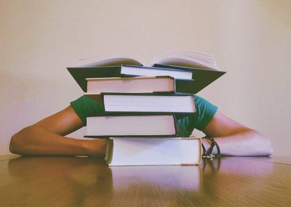libros estudiar conocimiento universidad