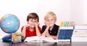 niños estudiar