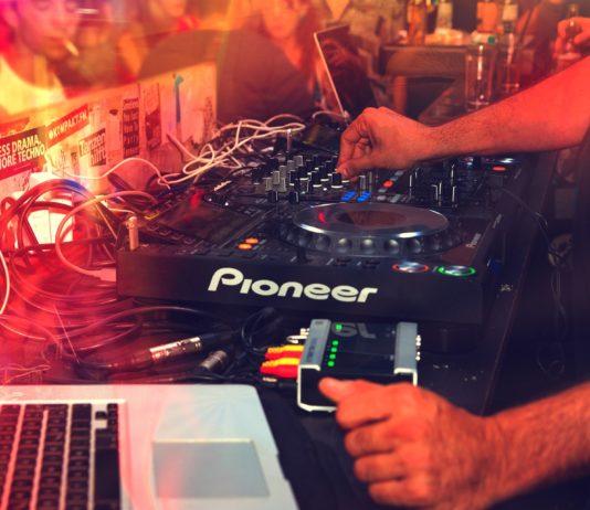 Como comenzar a ser DJ Equipo y consejos