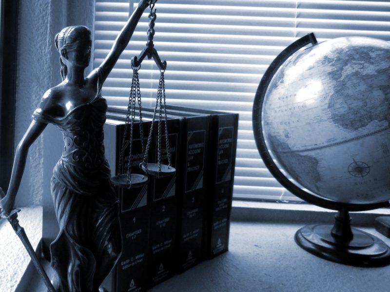 Las ventajas de contratar un abogado online