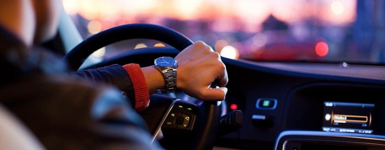 Por qué es necesario asegurar el auto