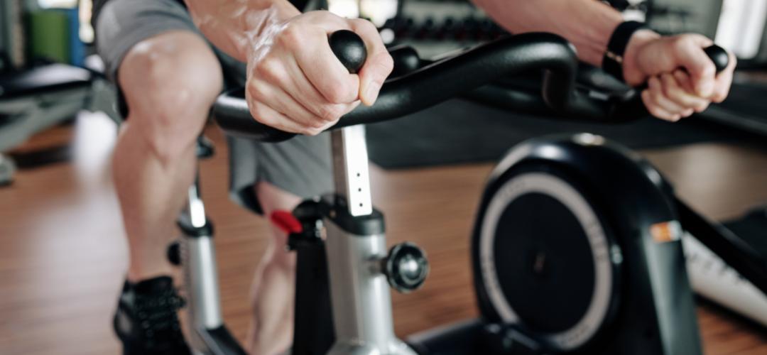 Bicicletas estáticas uno de los accesorios deportivos más demandados durante la pandemia